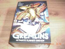 Gremlins Ultimate Flasher Gremlin Actionfigur 15 cm in Fensterbox NECA