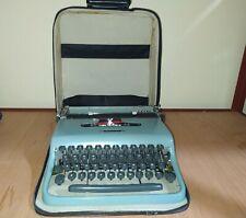 vintage portable typewriter olivetti pluma 22 with case free shipping
