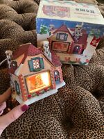 Vintage 3 D Christmas Village Christmas Morning Lighted Diorama Original  Box