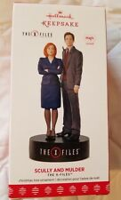 Scully and Mulder The X-Files Hallmark Keepsake Ornament 2017 (Magic) (NIB)