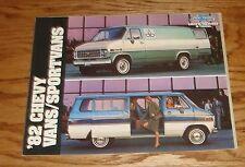 Original 1982 Chevrolet Truck Chevy Van / Sportvan Sales Brochure 82 Cutaway