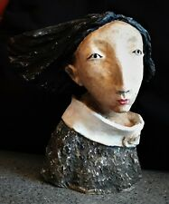 "Sculpture "" Lily "" terre cuite blanche"