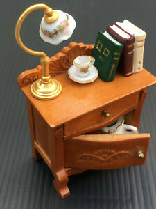 Dolls House Wooden Bedside Cabinet with Porcelain Chamber Pot & Lamp Reutter