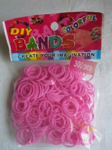 A Pack of Approx 300 Loom Bands - Bright Pink