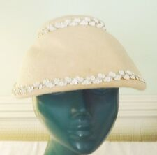 VINTAGE FELTED WOOL WARM CREAM 40S HAT TRIMMED WITH RIC RAC LATER A REAL CUTIE