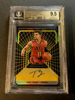 TRAE YOUNG 2018 PANINI OBSIDIAN MATRIX AUTO REFRACTOR ROOKIE RC /10 BGS 9.5 10