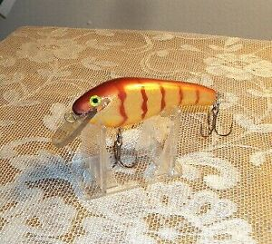 """JW 00 Shad  - Custom Muskie Musky Lure by Danny Wade in """"Gold Perch"""""""