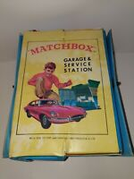 VINTAGE 1966 MATCHBOX SEARS GARAGE & SERVICE STATION CARRY CASE - IDEAL TOY CORP