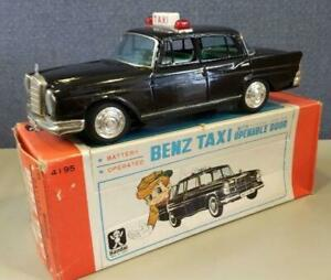 Bandai Tinplate BENDZ YAXI Battery operated Openable door Vintage toy from Japan