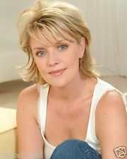 Amanda Tapping 8 x 10 / 8x10 GLOSSY Photo Picture Image #2
