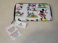 Disney Theme Parks Mickey and Minnie Mouse Comic Strip Pattern Wallet (NEW)