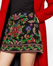 Zara size M Black EMBROIDERED mini skirt Floral patternd rock fleurs broderie