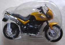 Moto Triumph Tiger 855 éd Altaya N° 21