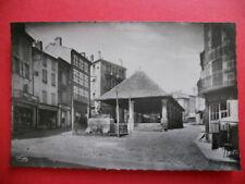 LANGOGNE  :  La Place de la Halle  -  Le Monument aux Morts......VO.1952.