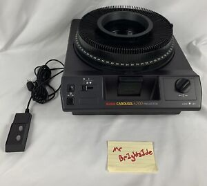 Kodak Carousel 4200 Slide Projector w/140 Slide Tray & Remote Works Clean