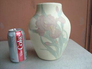 """Weller Early Hudson White 8"""" Pink Iris Vase Hester Pillsbury"""