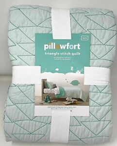 Pillowfort Twin Triangle Stitch Quilt Mint Green New