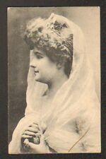 Artiste / Mlle GILLET , Buste avec DIADEME & VOILAGE , en 1905