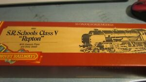HORNBY R 683 S.R, 4-4-0 SCHOOLS CLASS V  ' REPTON  '