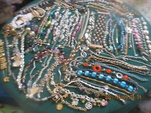 COLLECTION OF 85 PLUS ASSORTED VINTAGE BRACELETS SILVER +GOLD TONE--GLASS-METAL