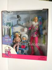 NEW SKIING VACATION GIFT SET BARBIE, STACIE, & KELLY  - 2000  -  MNRFB