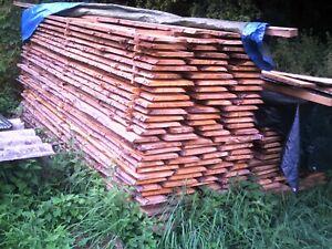 Fichte unbesäumt rustikal Bretter Bohlen Regal Zaun Schwarten    billige Bretter