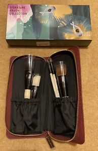 BEAUTIFUL BOBBI BROWN SIGNATURE BRUSH COLLECTION IN ZIP CASE - NEW IN BOX