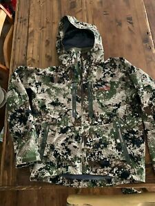 EUC Sitka Gear Cloudburst Jacket, Men's L, Optifade Subalpine Pattern GORE-TEX