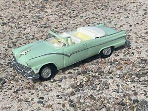 Vintage 1/25 Mint Green 1955 Ford Sunliner Convertible AMT Friction Promo Model