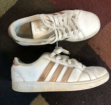 2 1/2 (8-9 Years) Girls Adidas Tennis Shoes Sneakers Size 2.5 Rose Gold stripes