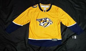 NEW! Nashville Predators Breakway hockey Jersey NHL size large