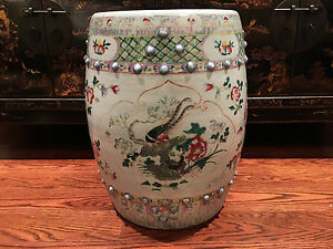 A Large Chinese Qing Dynasty Famille Rose Porcelain Garden Seat.