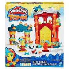 Play-Doh Town Firehouse From Hasbro B3415