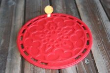 """Le Creuset Silicone 8"""" Round French Trivet Red Snow flake"""