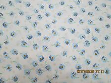 POPPY PASSION DAISY'S WITH WHITE BACKGROUND 100% COTTON  1 LOT  5 YARDS