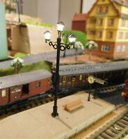 3 schwarze 3-flammige LED Bahnsteiglampen, 65 mm hoch,aus Messing, warmweiß