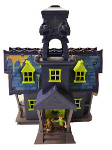 Vintage Scooby-Doo haunted mansion. Hanna-Barbara With Extras