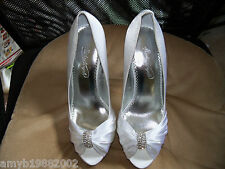 Michaelangelo Diana White W/Rhinestones Shoes Size 9.5 M Women's EUC