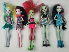 Monster High Lot Of 5 Dolls With Clothes Shoes Hands