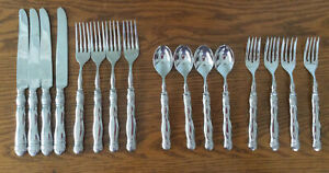 Southern Living at Home Gallery Flatware. 4 Knives, Spoons, Dinner & Salad Forks