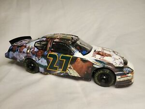RUSTY WALLACE #27 MILESTONES 1989 NASCAR CHAMPION 1:24