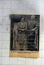 1961 Mr And Mrs Roland Day Of Baydon Live In Isaac Newton House