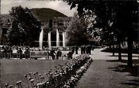 Bad Neuenahr Ahrtal AK 1957 Partie im Kurgarten Springbrunnen gelaufen frankiert