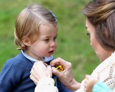 Catherine, Duchess of Cambridge & Princess Charlotte UNSIGNED photo - H5790