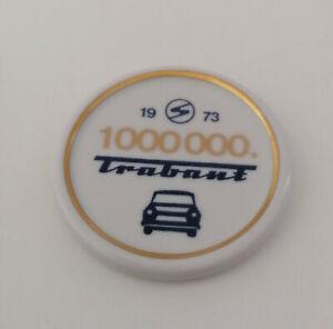 DDR Porzellan Plakette 1000000. Trabant