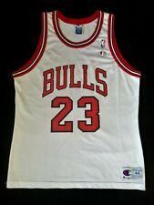 NBA Michael Jordan #23 Chicago Bulls Jersey Champion size 44 NBA  L