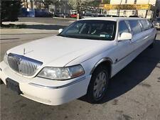 2003 Lincoln Town Car Executive w/Limousine Pkg