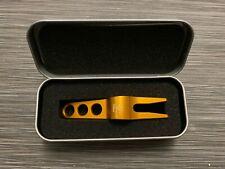 BRAND NEW Titleist Scotty Cameron Gold Divot Pivot Repair Tool + Aluminum Tin