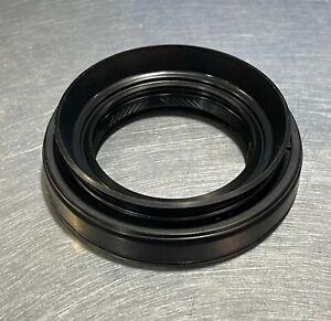 New Genuine OEM Mazda Oil Seals F003-27-238C(x2)