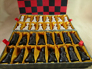 Asian Themed Chess Set With Board
